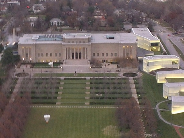 The impressive Nelson Atkins Museum at the Country Club Plaza