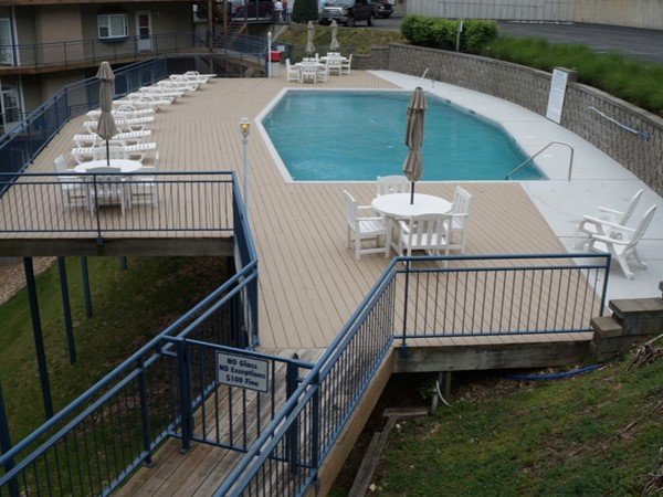 Palisades Condominiums pool