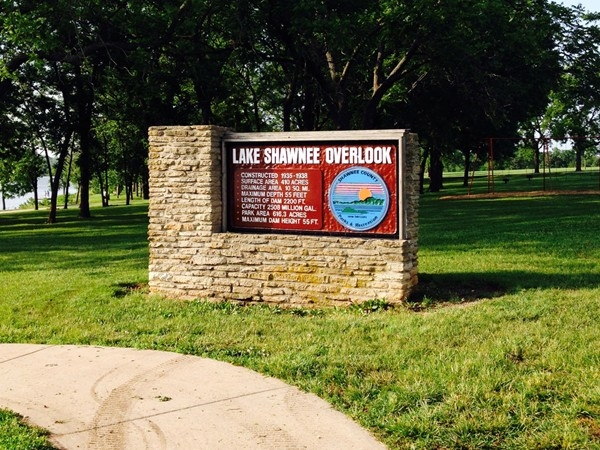 Lake Shawnee Overlook Park