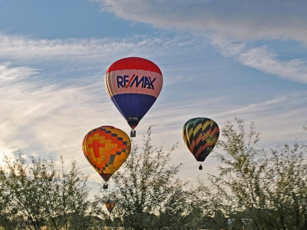 Beautiful weekend for the 40th annual Huff 'n Puff balloon rally at Lake Shawnee