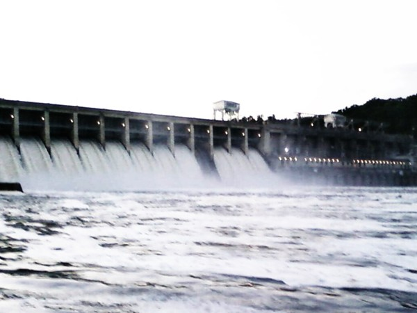 Bagnel Dam flood gates wide open in 2004 to avoid flooding
