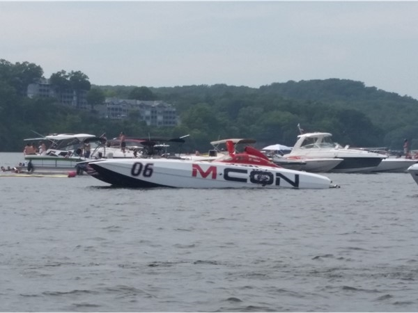 M-Con race boat at the 2018 Shootout