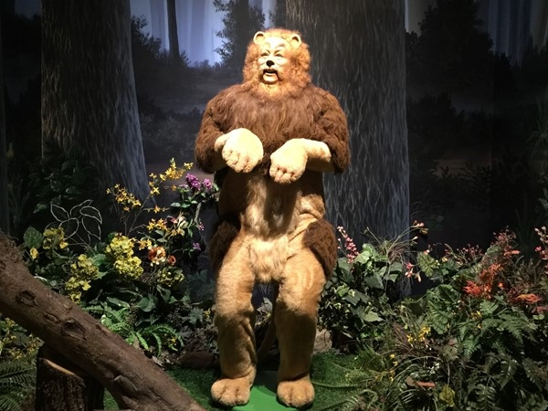 Oz Museum exhibit featuring the Cowardly Lion played by Bert Lahr