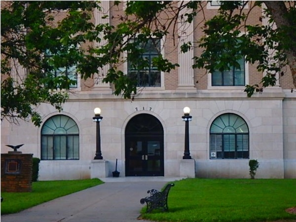 Osage County Courthouse in Lyndon, built in 1926, according to county website