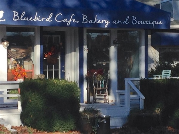The wait is over! Bluebird Cafe opened for the season today