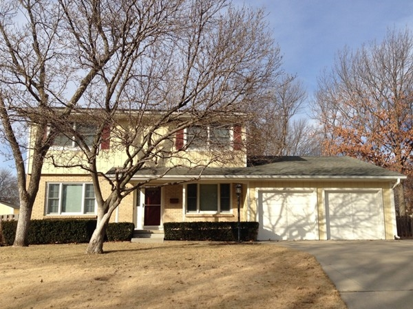 Well maintained Indian Hills home