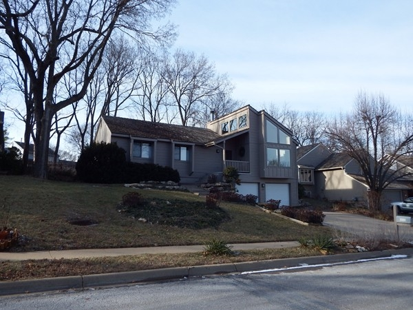 Unique home in Westridge Heights in Lawrence
